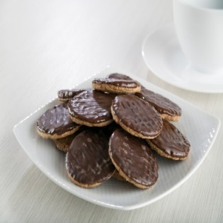 Pack of 4 biscuits topped with chocolate